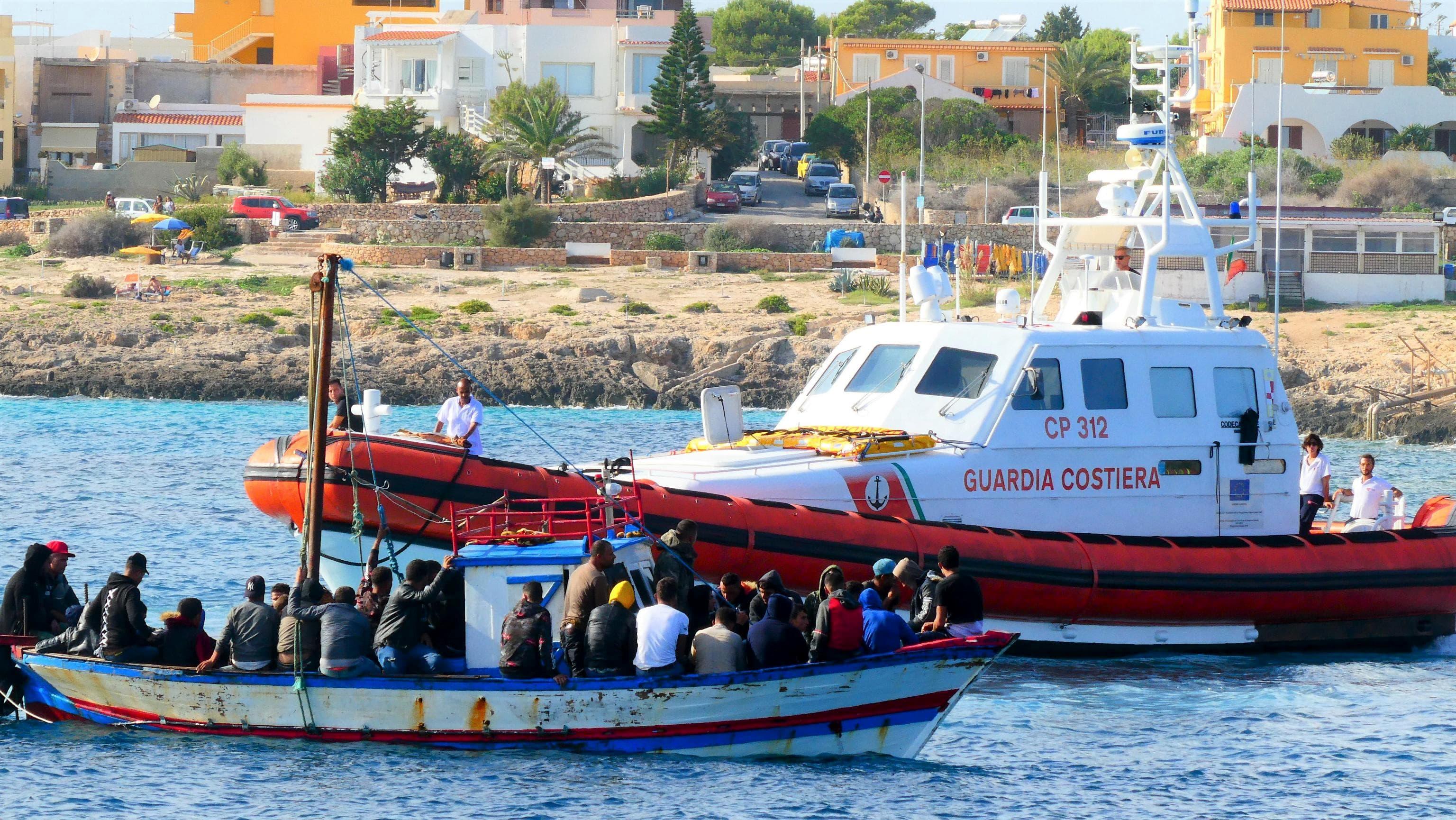 Doppio sbarco a Lampedusa, arrivati 43 migranti