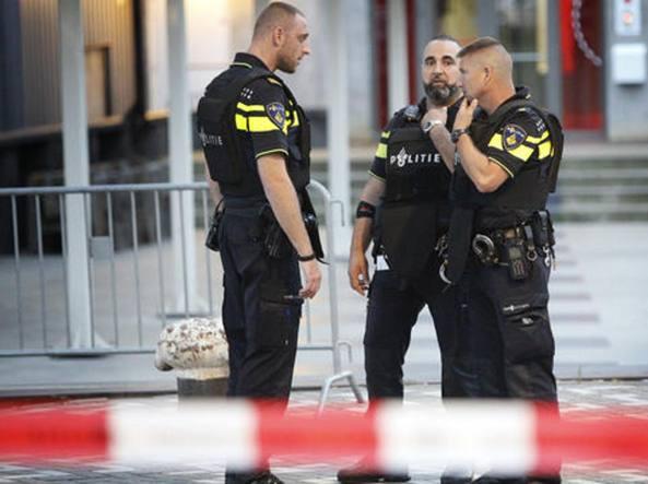 Olanda: furgone contro pedoni a un festival, un morto e 3 feriti