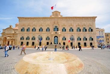 Malta rischia la 'lista grigia' e il crollo del Pil