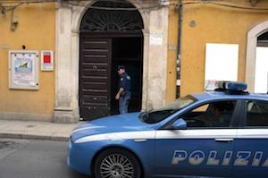 Vandali in azione alla Cgil di Vittoria: bloccano la serratura della porta