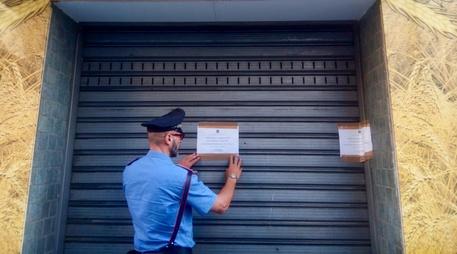 Lavoro nero in un panificio nel Napoletano: 74 mila euro di multa