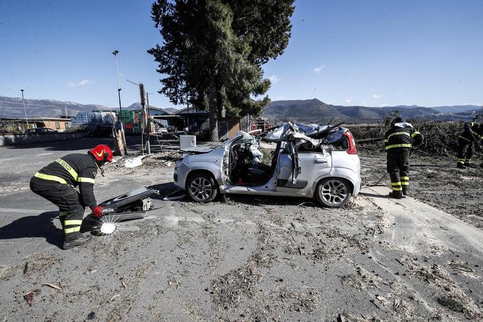 Centro - sud flagellato da vento e neve: 4 morti nel Lazio