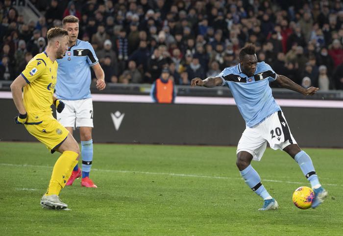 Finisce in parità il recupero tra Lazio e Verona: biancocelesti a -4 dalla Juve