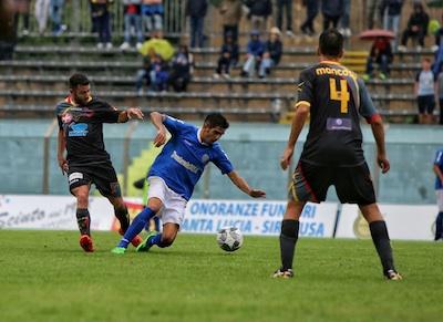 Il Siracusa esce tra i fischi, il Lecce con merito si porta a casa tre punti
