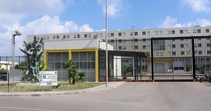 Delegazione radicale in carcere a Lecce: ci sono 400 detenuti in più