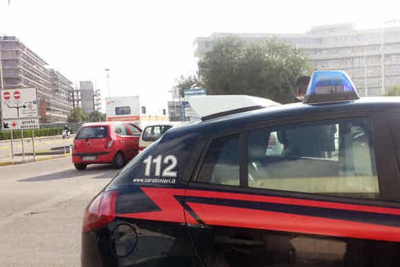Lite in una comunità di recupero vicino Lecce, 40 enne accoltellato alla gola