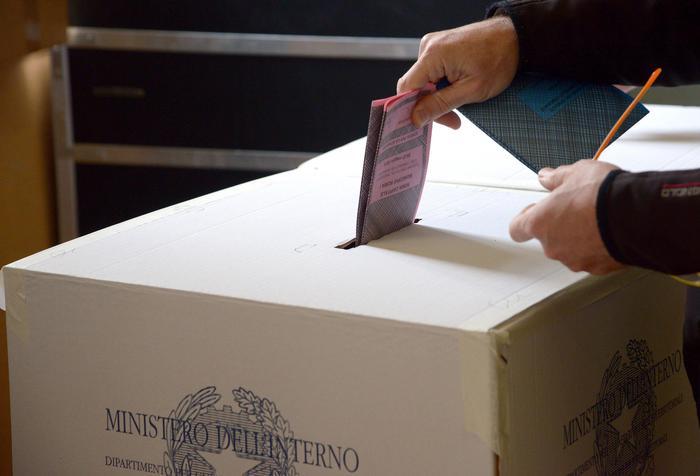 Legge elettorale, stop a liste bloccate: l'accordo regge
