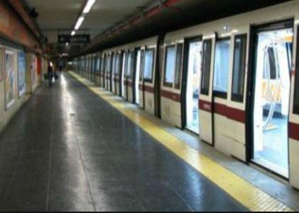 Paura attentati a Roma, la metro chiude per un allarme bomba