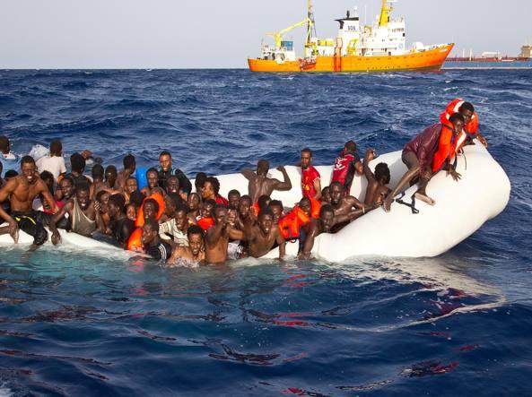 """Catania, Zuccaro: Ong intercettata coi libici: """"Potete mandarli"""""""