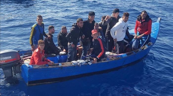 Migranti, 7 cadaveri recuperati a largo della Libia