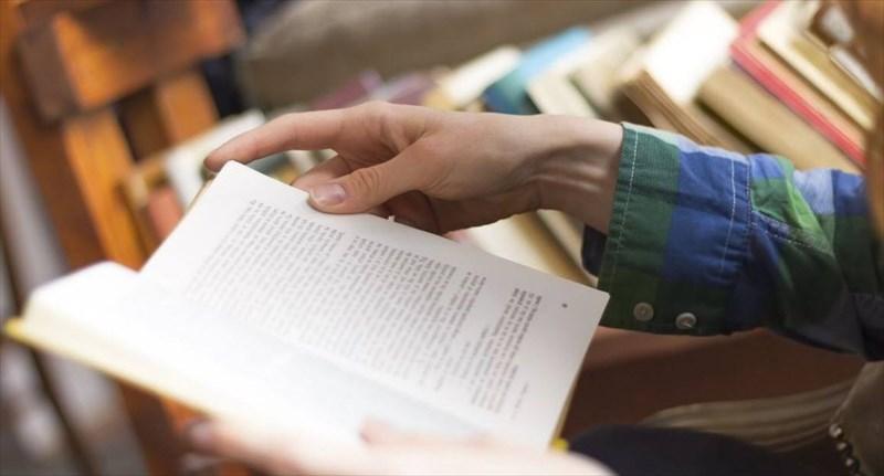 A Siracusa si celebra San Giorgio donando un libro