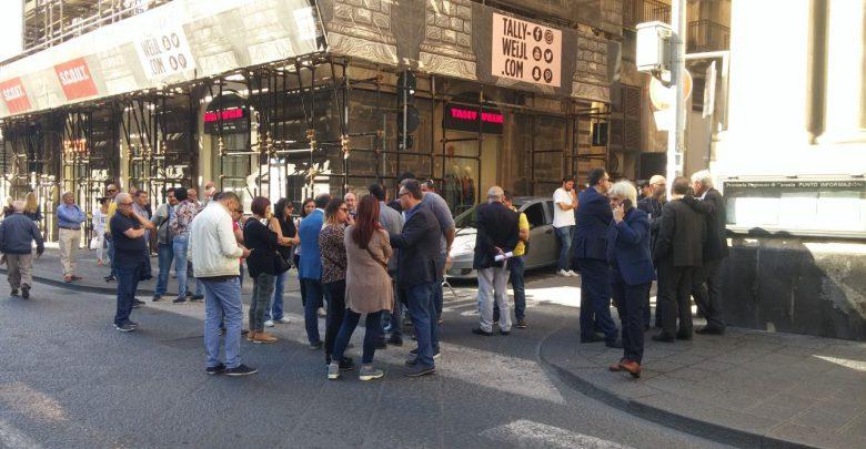 Lavoratori del Cara di Mineo in sit - in davanti la prefettura di Catania