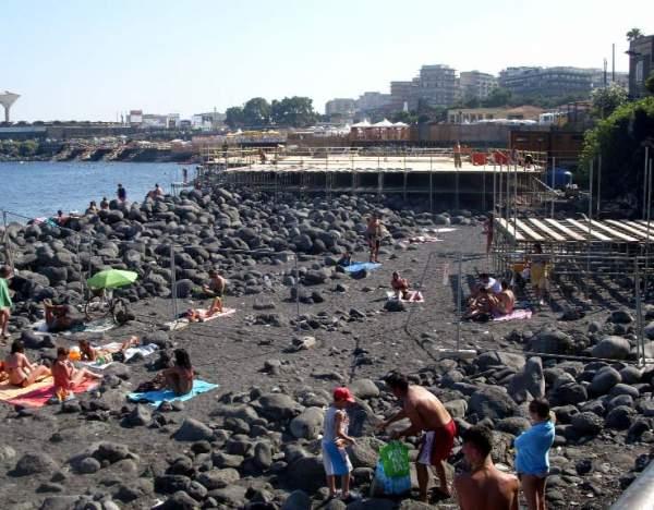 Catania, Legambiente e scout puliranno la spiaggia di San Giovanni Li Cuti
