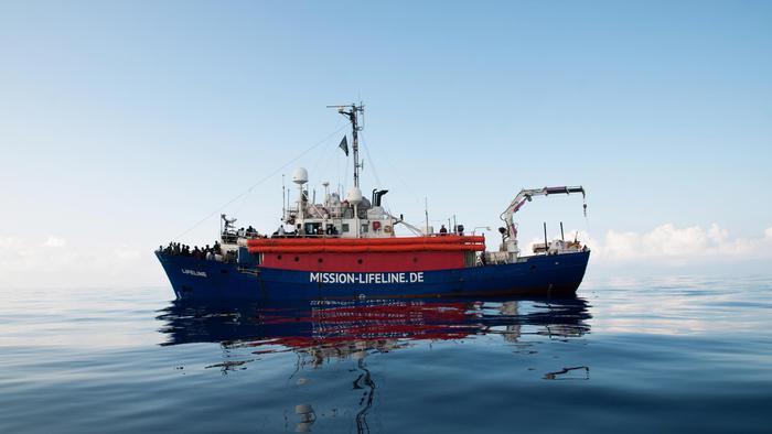 Migranti, le autorità di Malta sequestreranno la Lifeline