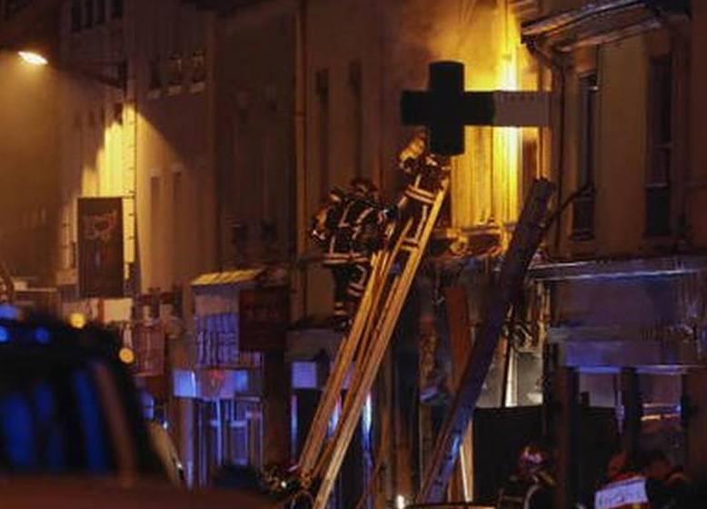 Esplosione a Lione, morti una donna e un bambino