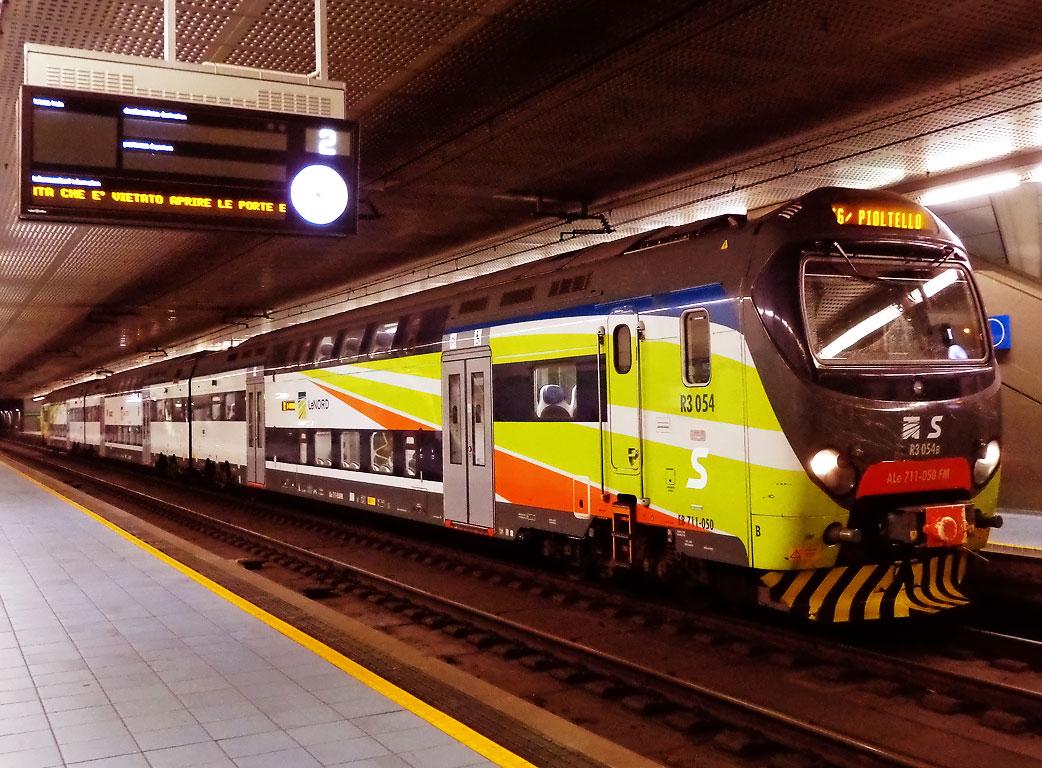 Investita da un treno, muore una ragazza nel Milanese