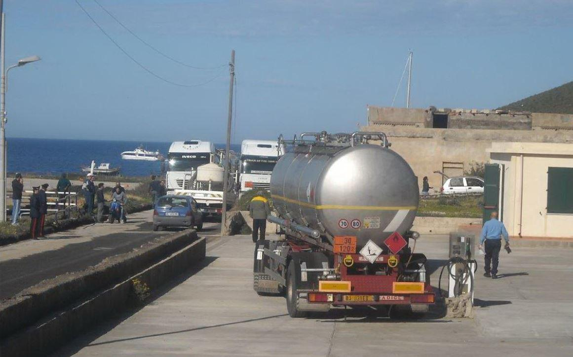 Non c'è benzina a Linosa, il sindaco: siamo pronti lo sciopero