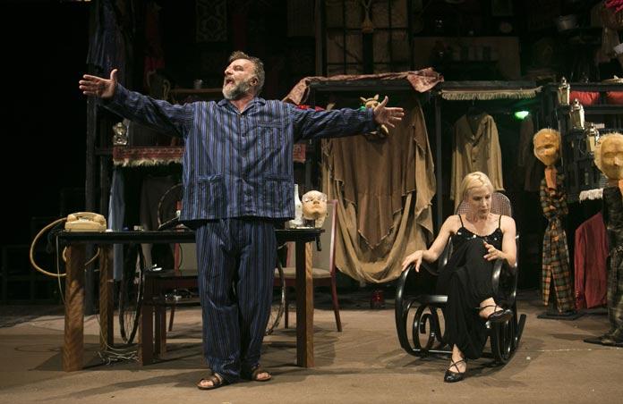 """Modica, al Teatro Garibaldi in scena """"L'inquilina del piano di sopra"""""""