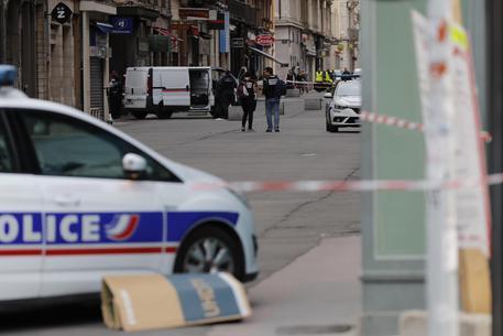 Fermato a Lione l'uomo sospettato di avere fatto esplodere una bomba