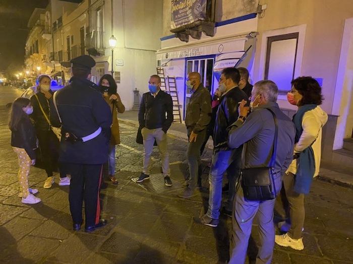 """Proteste  di ristoratori e commercianti di Lipari: """"No al coprifuoco"""""""