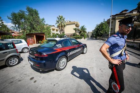 Lite per i turni di pulizia, un marocchino arrestato nel Napoletano