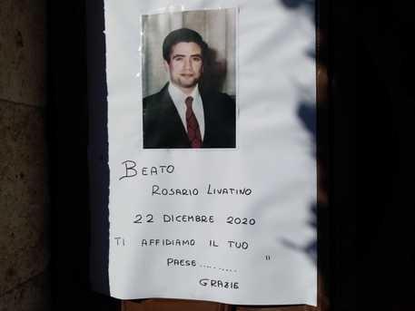 Livatino Beato, a Canicattì i fedeli gli affidano le sorti della Comunità