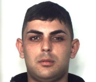 Catania, colto in flagrante mentre spacciava droga: arrestato
