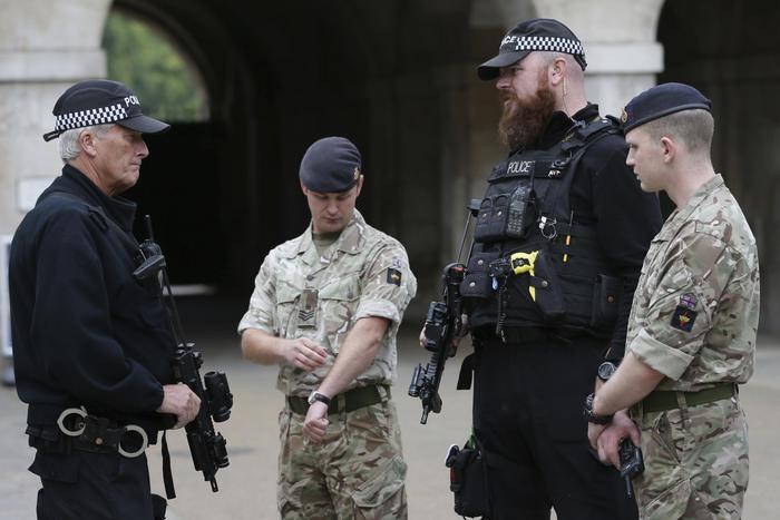 Attentato terroristico a Londra, arrestato un diciottenne