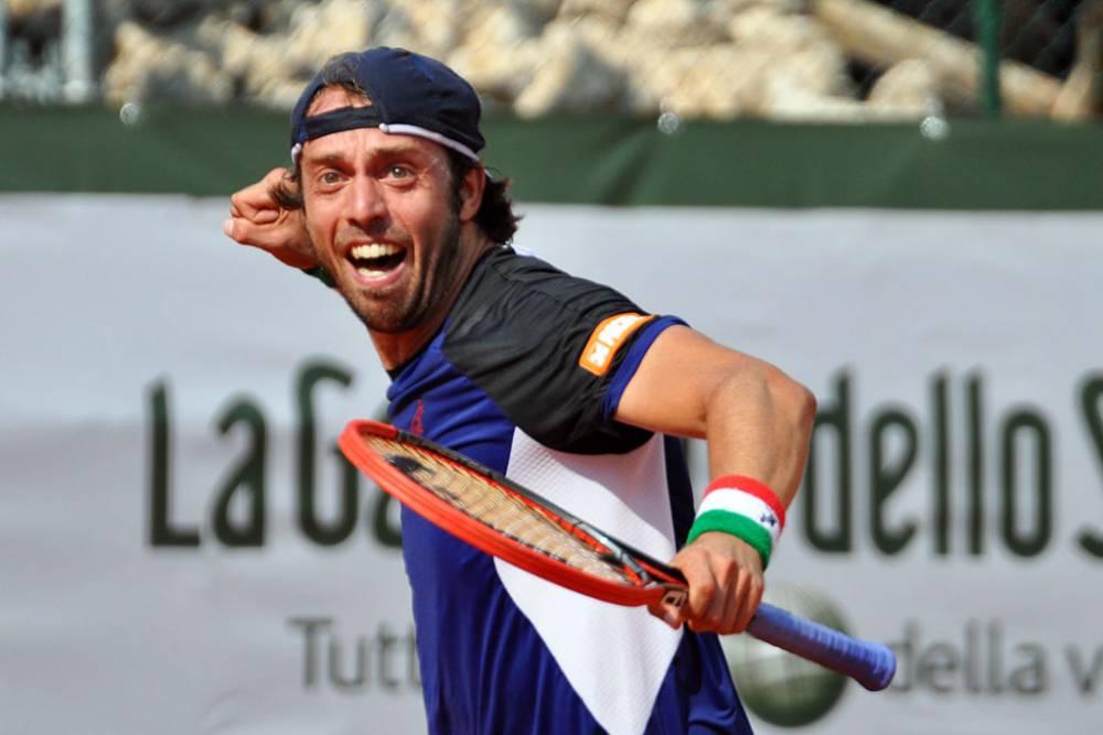 Tennis, al Qatar Open esordio vincente per Lorenzi: in gara pure Cecchinato