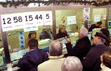 Lotto, la dea bendata bacia Napoli: quaterna da 120 mila euro