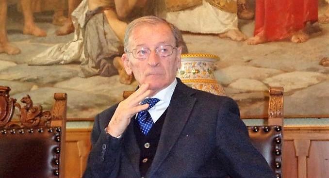 Morto a Catania Maina, fu cerimoniere a Palazzo degli Elefanti