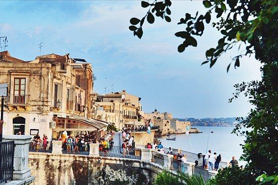 Siracusa, soldi pubblici per Ortigia ma Sorbello denuncia: no a espulsioni