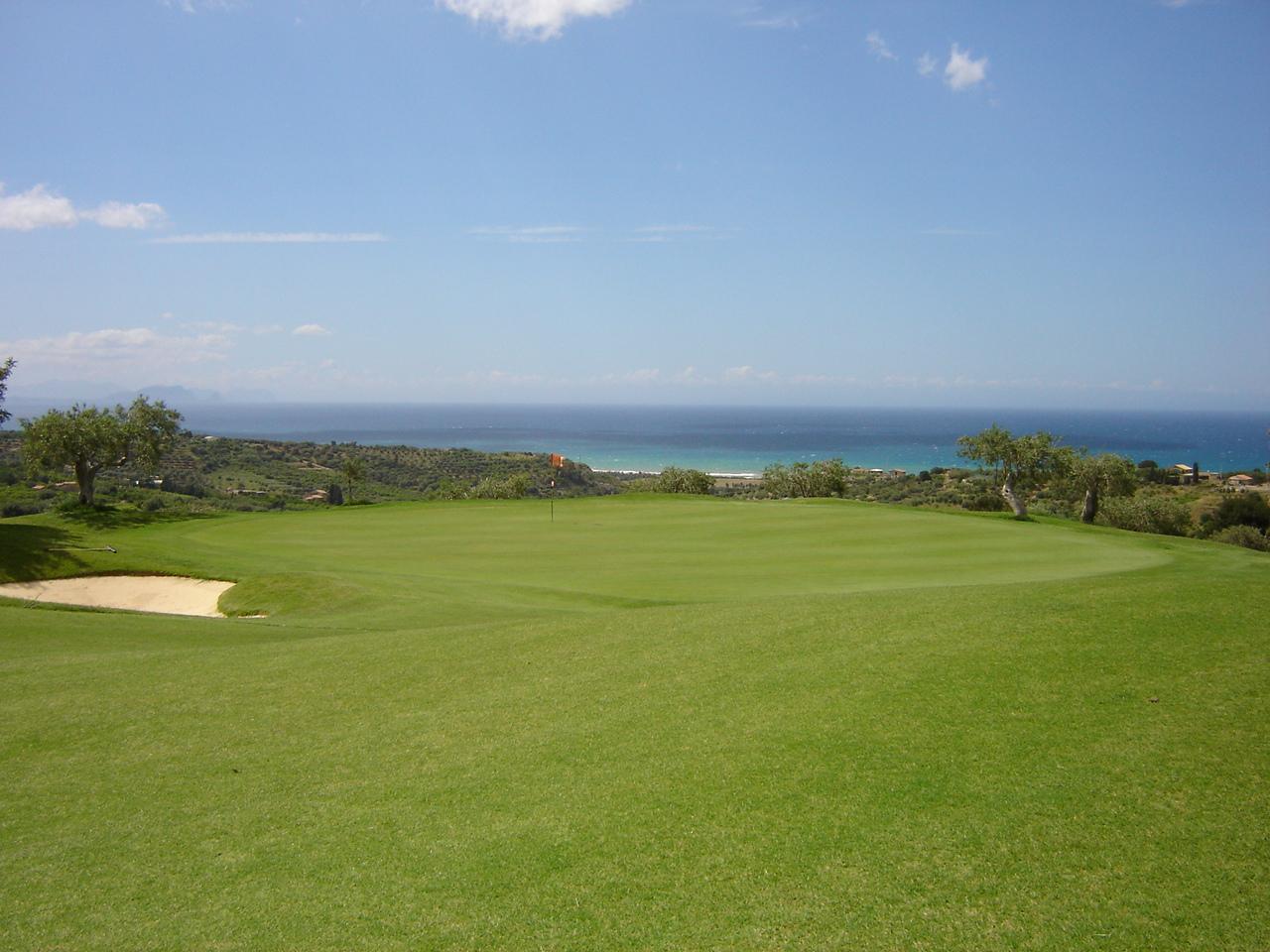 Riapre dopo 12 anni il campo di Golf sulle Madonie: è stato acquistato all'asta