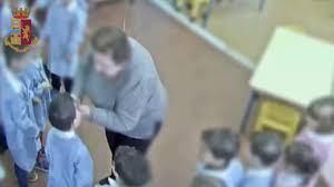 Schiaffi ai bambini della Montessori di Noto: maestra patteggia a 2 anni