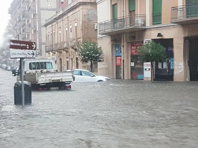 Temporale si abbatte nel Siracusano, scuole deserte per la pioggia