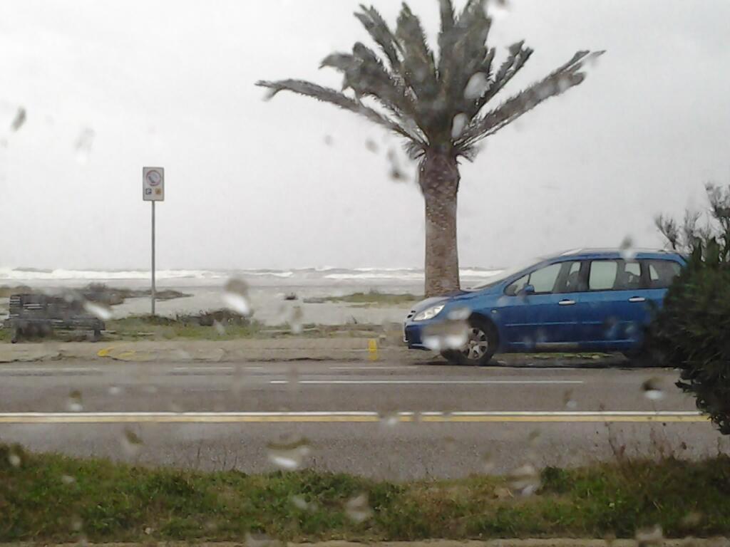 Maltempo, bomba d'acqua a Cagliari e sulle zone terremotate