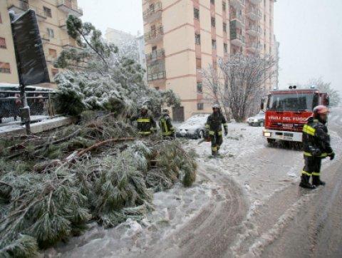 Maltempo a Potenza, scuole e università chiuse dopo la nevicata