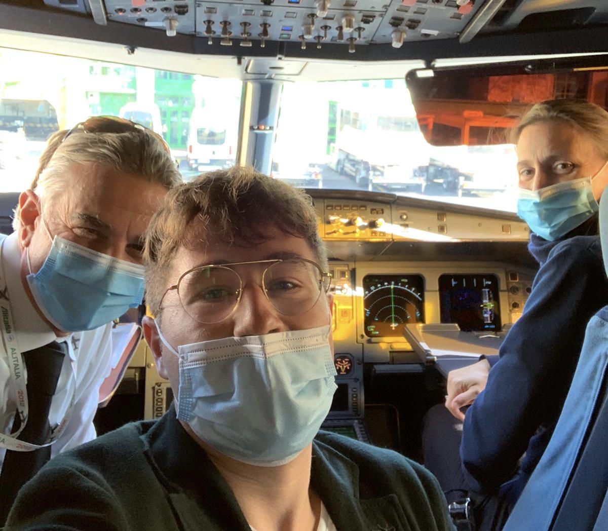 Giovane medico modicano soccorre 66enne sul volo Alitalia Catania-Milano