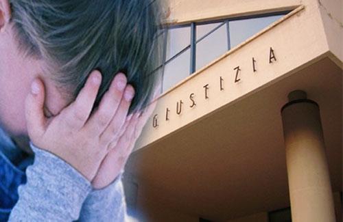 Catania, maltratta e insulta il figlio minorenne: un arresto