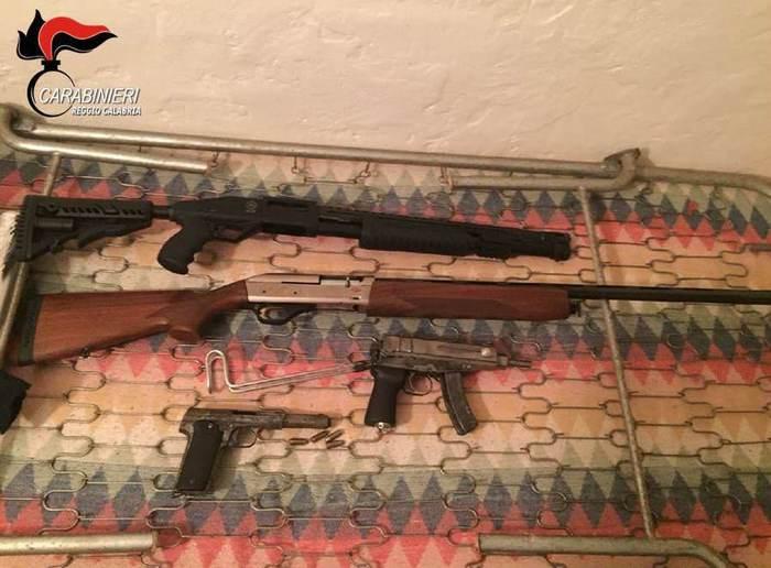 Mammola, spararono ai lampioni la notte di Capodanno: due arresti