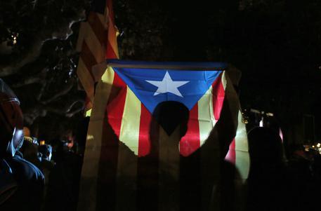 Catalogna, emesso il mandato d'arresto europeo per Puidgemont