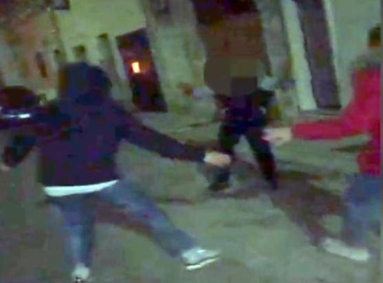Pestato a morte a Manduria, il gip dispone il carcere per sei minorenni