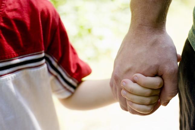 Augusta, padre e nonni litigano per l'affidamento di un bimbo