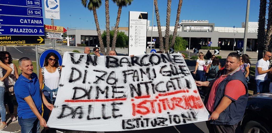 Siracusa, dimostrazione spontanea dei 70 lavoratori ex Cambria