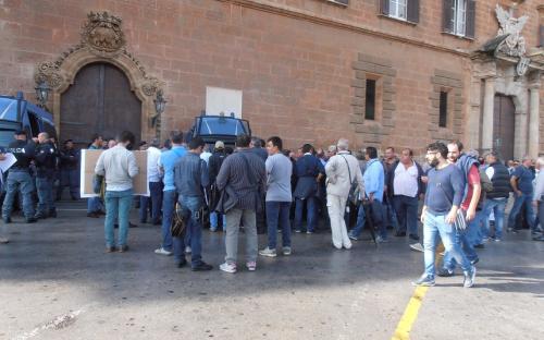 Nuova protesta a Palermo dei dipendenti delle ex Province