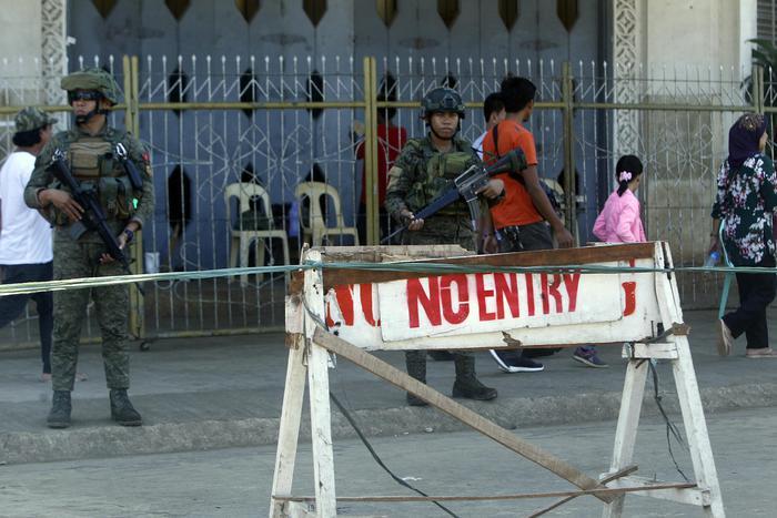Bombe in Cattedrale nelle Filippine, 27 morti e 77 feriti