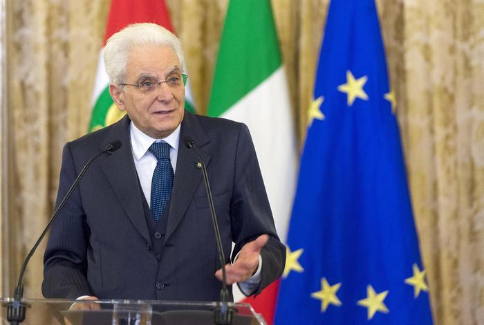 Manovra economia, Mattarella firma il decreto