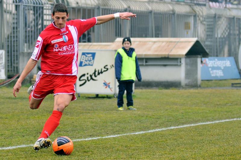 Calcio, il Siracusa ingaggia il terzino Manuel Daffara: arriva dall'Ancona