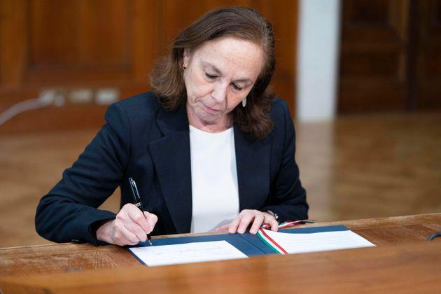 Dl Rilancio, la Ministra Lamorgese: nessun condono per gli immigrati