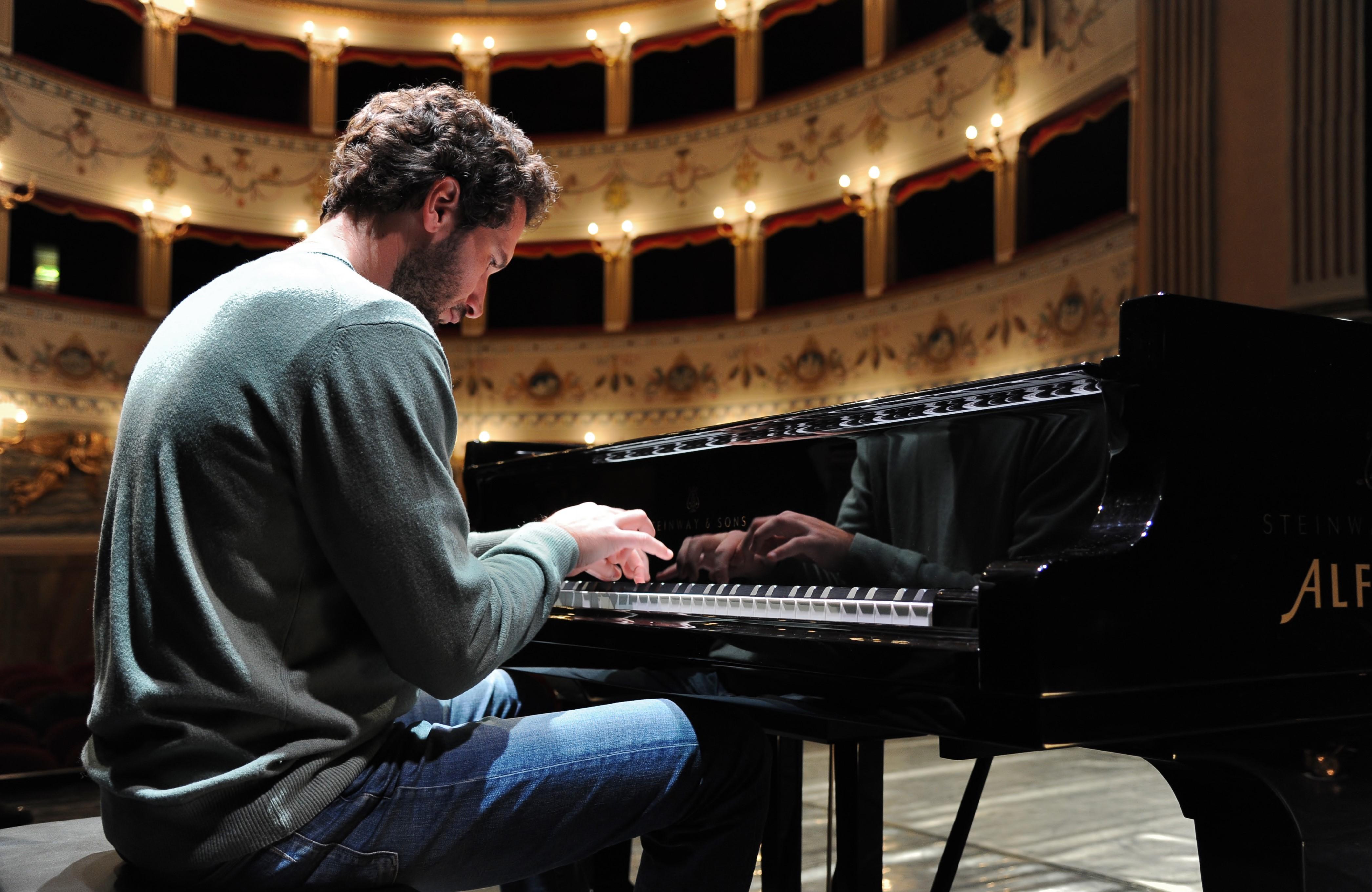 Stagione lirica Noto, il 30 gennaio il debutto col pianista Marco Ciampi